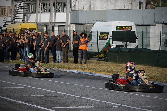 António Félix da Costa 'correu' em Braga para gáudio dos jovens pilotos portugueses