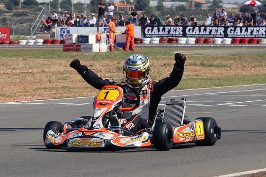 Consagração com distinção de Andriy Pits no Campeonato de Espanha da categoria Sénior