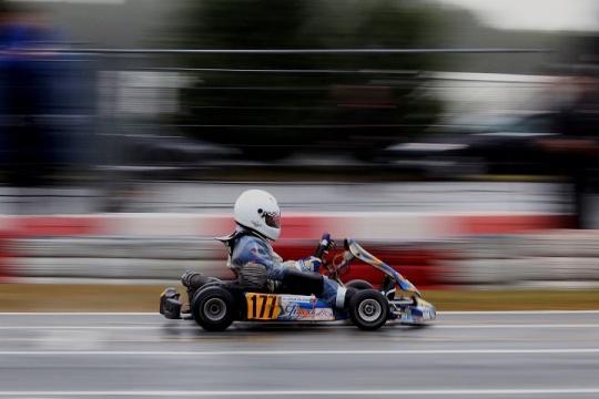 Adrian Malheiro cumpre favoritismo na Taça Bridgestone da categoria Cadete
