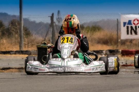 Guilherme de Oliveira vence e é mais líder nas Series Rotax Espanha Júnior