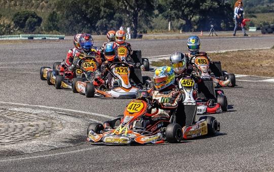 Yohan Sousa campeão nacional na X30 Shifter Júnior e Tiago Teixeira na Master