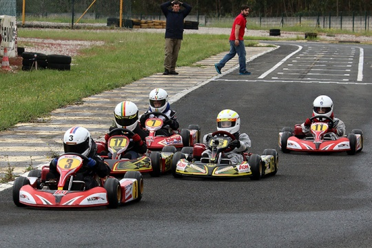 Mateus Cabrelli e Manuel dos Santos repartem vitórias no TTFS - categoria Iniciação
