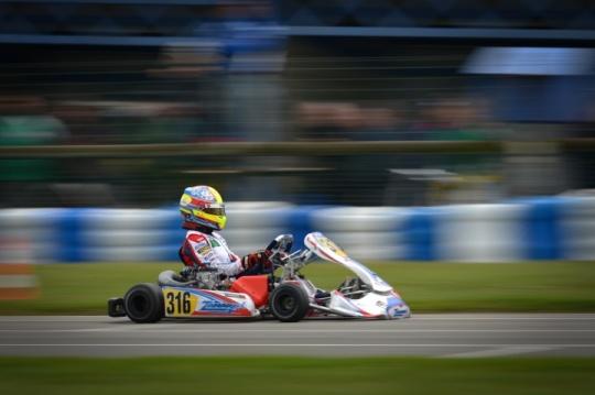 Yohan Sousa na Final do Europeu KZ2 em França… mas condicionado pelo motor
