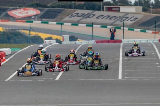 Adrián Malheiro confirma favoritismo na Taça de Portugal de Karting Juvenil