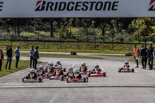 José Maria Gouveia impõe-se no Open de Portugal Karting da categoria Iniciação