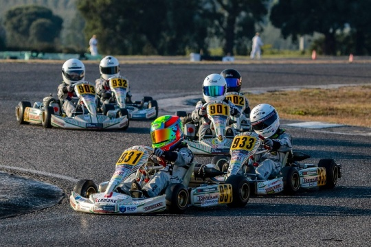 Vitórias de Pedro Barbosa e António Silva Kart Kid Race School