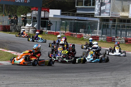 Christian Costoya domina Troféu Rotax da categoria Micro-Max em Viana do Castelo