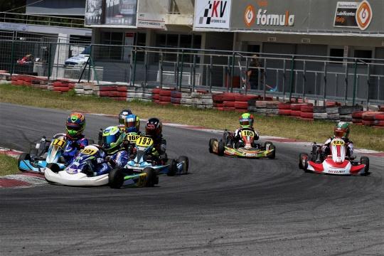 Rodrigo Vilaça mantém pleno de vitórias no Troféu Rotax da categoria Mini-Max