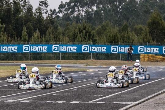 Jovens pilotos da Kart Kid Race School estrearam-se no circuito de Leiria