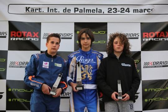 Miguel Silva garante lugar mais do alto pódio no início do Troféu Rotax Júnior
