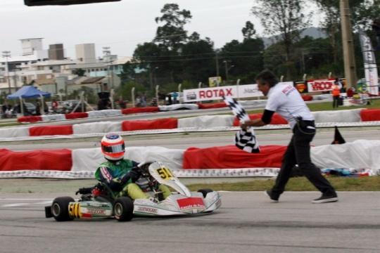 Rubens Barrichello garante qualificação para as Finais Mundiais Rotax em Portugal