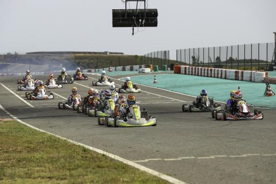 Jesse Doorgeest estreia-se a ganhar no Campeonato de Portugal de Karting X30