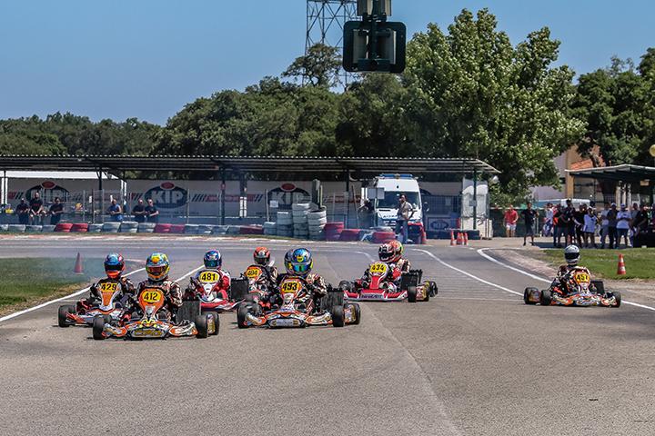 Yohan Sousa na X30 Shifter Júnior e Tiago Teixeira na Shifter 'virtuais' campeões