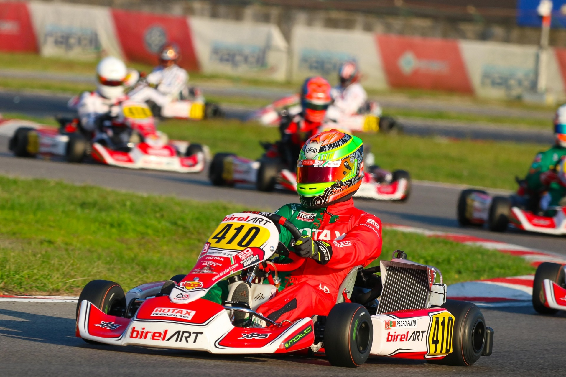 Pedro Pinto travado por um incidente na Final do Mundial Rotax DD2 em Itália