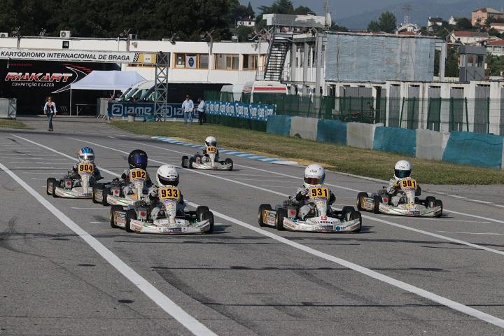Vitórias de Pedro Barbosa e António Silva na Kart Kid Race School em Braga