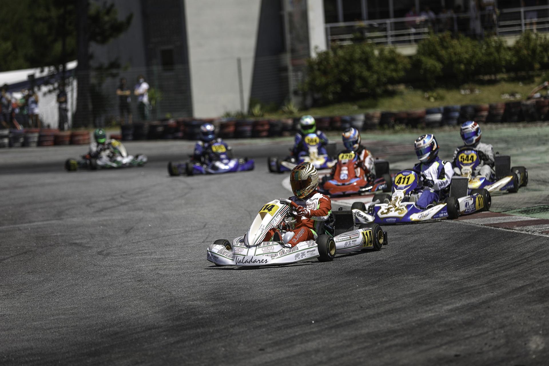 Oliveira volta a vencer na DD2 e Bravo Lima triunfa na Master do Troféu Rotax