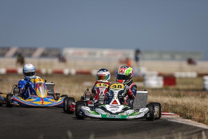 CEK Valência: Quatro juniores portugueses vão disputar as corridas finais amanhã