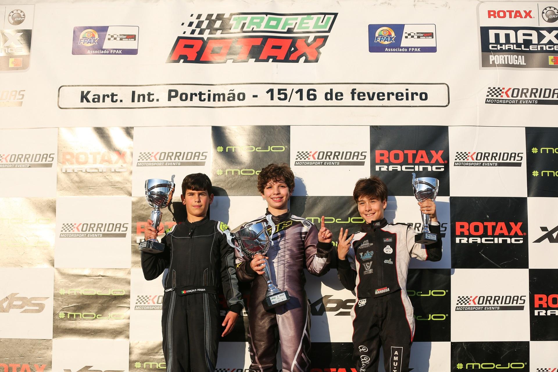 Rodrigo Vilaça muito forte no arranque do Troféu Rotax Mini-Max em Portimão
