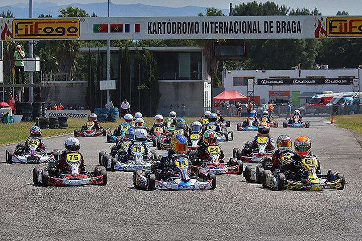 Os vencedores da terceira prova do Campeonato Nacional de Karting em Braga