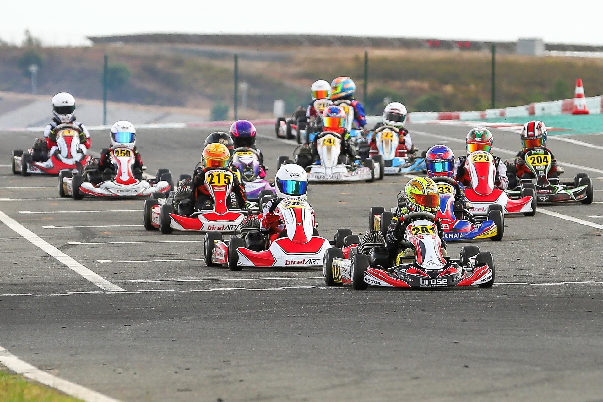 Campeonato de Portugal de Karting KIA prossegue em Braga com 72 inscritos