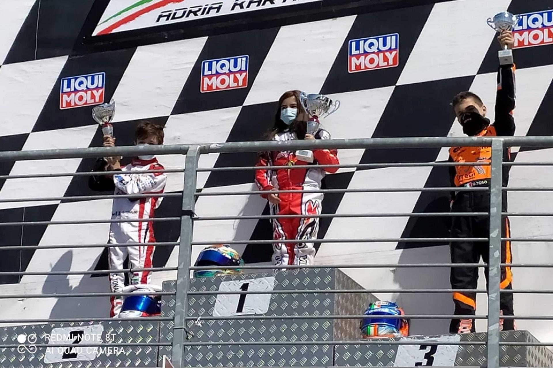 Maria Germano Neto fez soar 'A Portuguesa' no Adria Karting Raceway