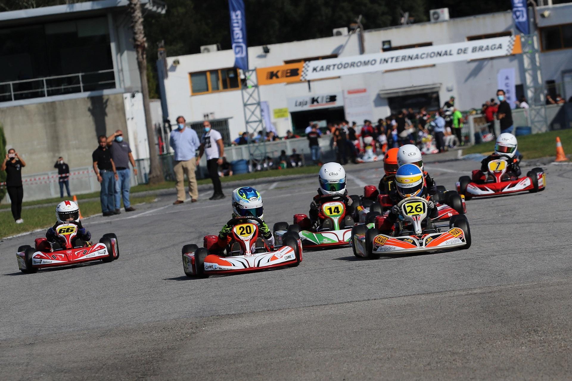 Xavier Lázaro soma terceira vitória no Campeonato de Portugal de Karting da Iniciação